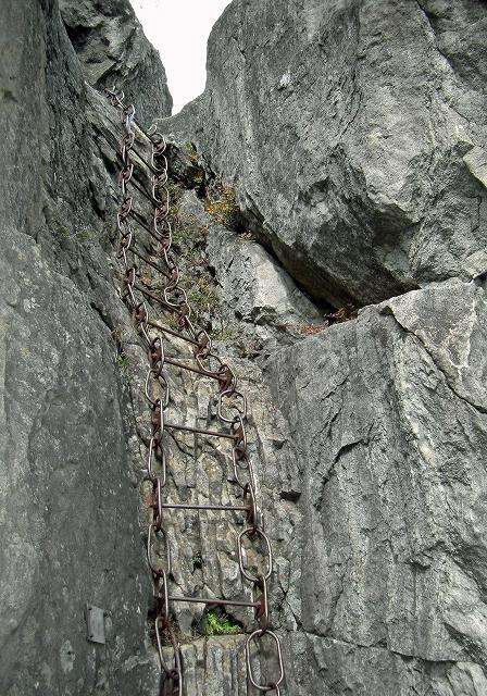 k34.獅子岩前岩場のハシゴ