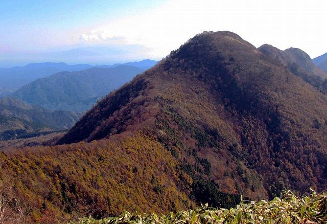 31.山頂から下十枚山.jpg