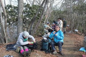 34笠山にて昼食1