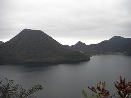 02.硯岩から榛名富士を望む